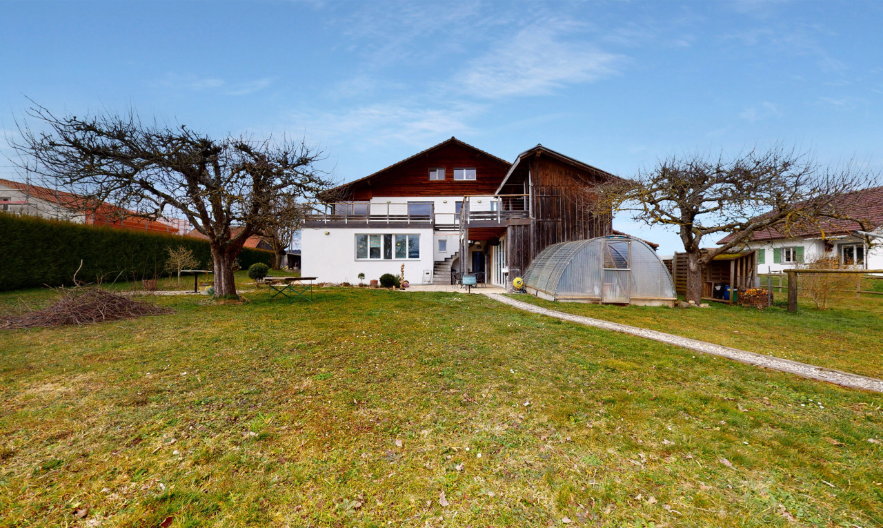 House  for sale in Vaud Vucherens