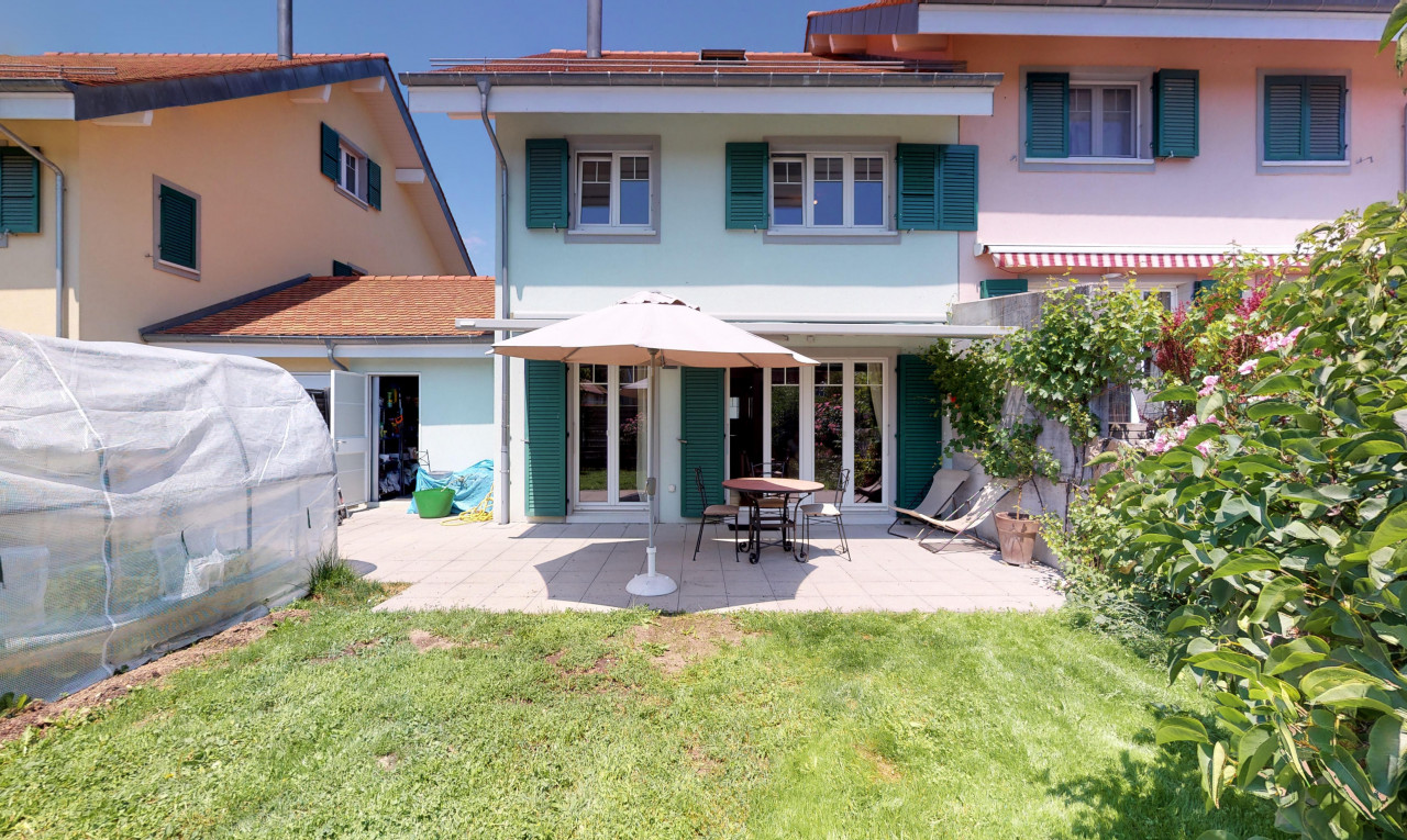 House  for sale in Vaud Etoy