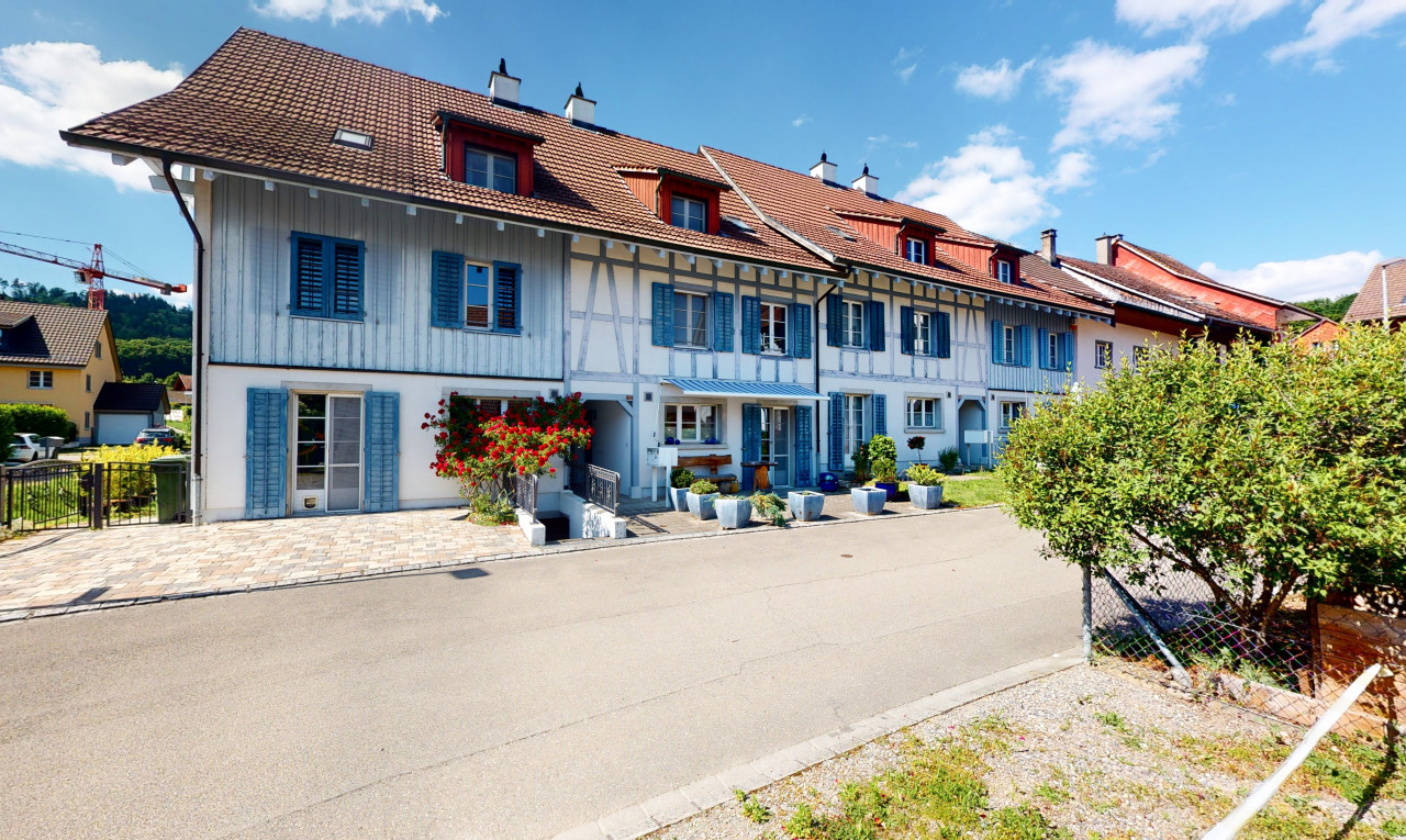 Haus zu verkaufen in Zürich Hüntwangen