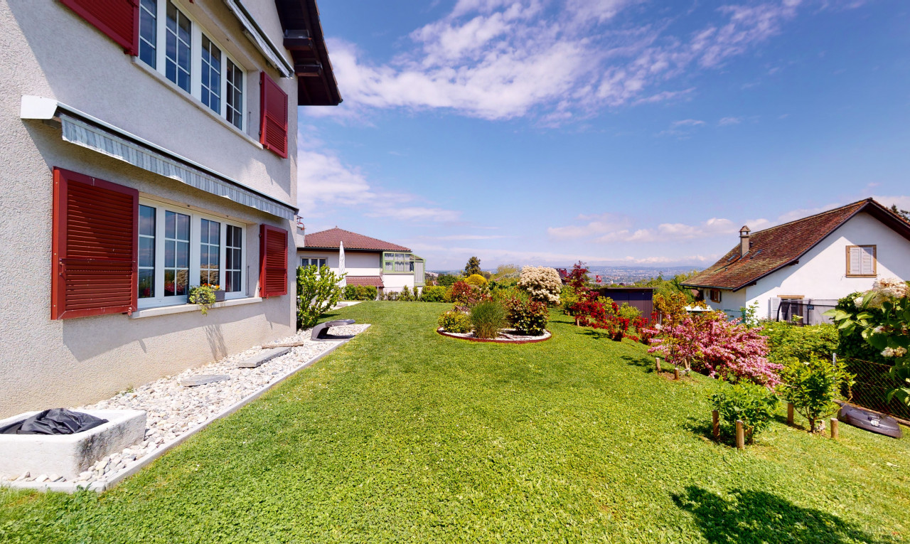 House  for sale in Vaud Tolochenaz