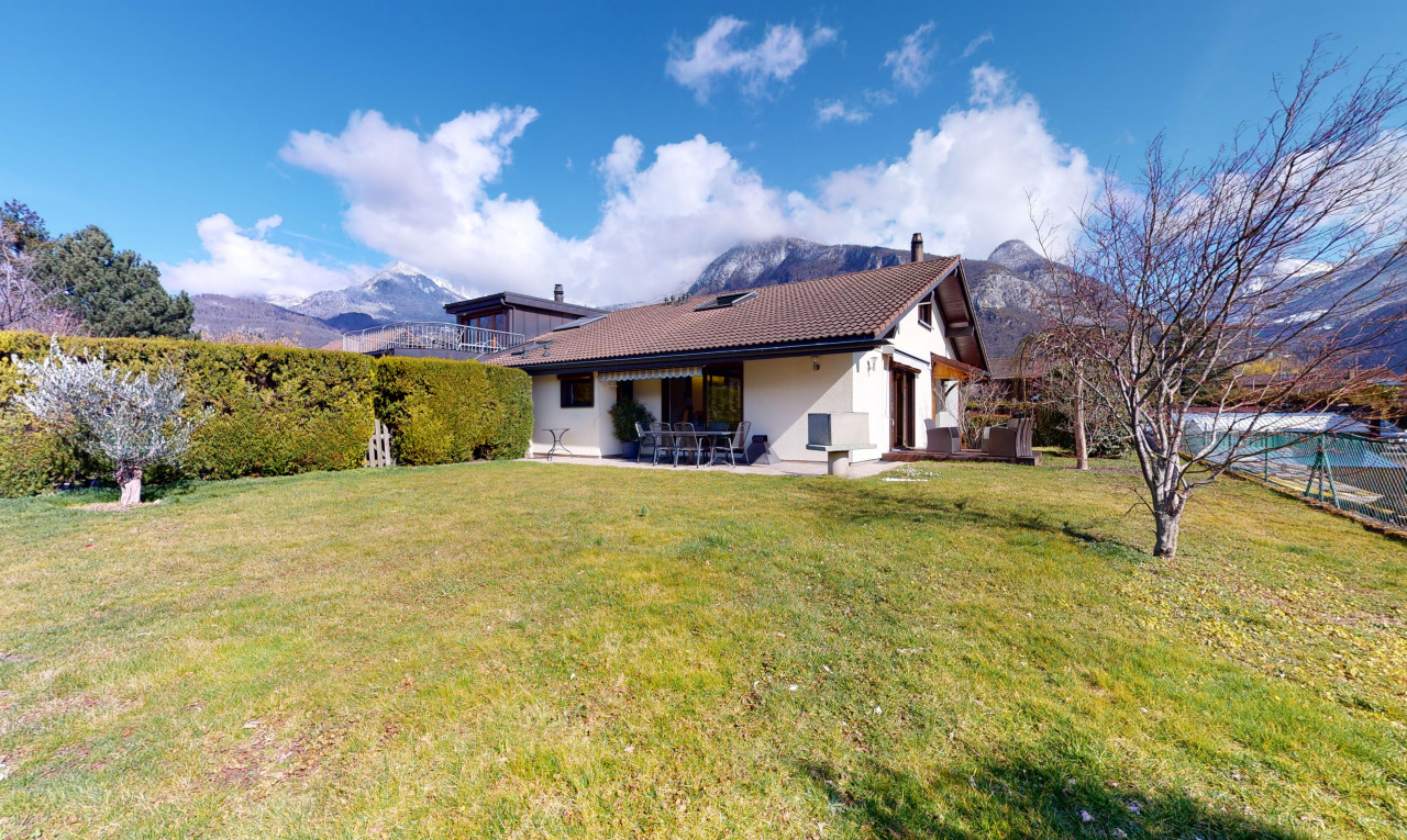 House  for sale in Vaud Aigle