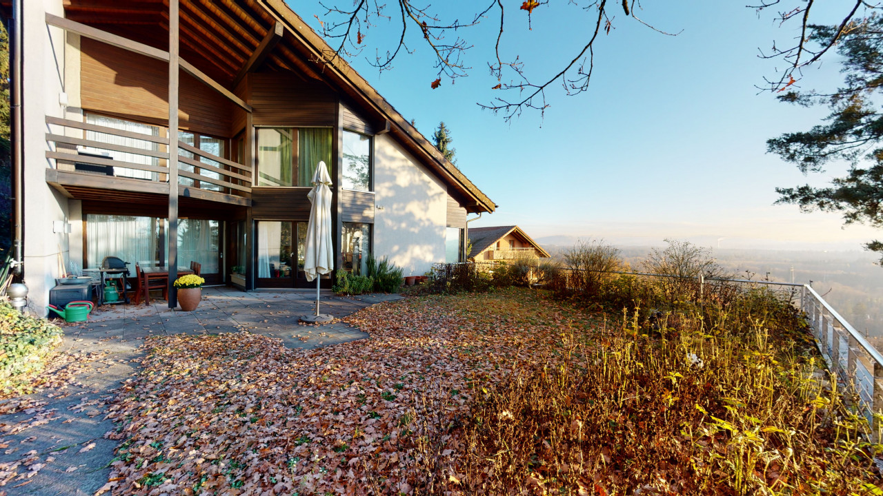 Grosszügiges Einfamilienhaus in Biberstein mit 2.5-Zi Einliegerwohnung