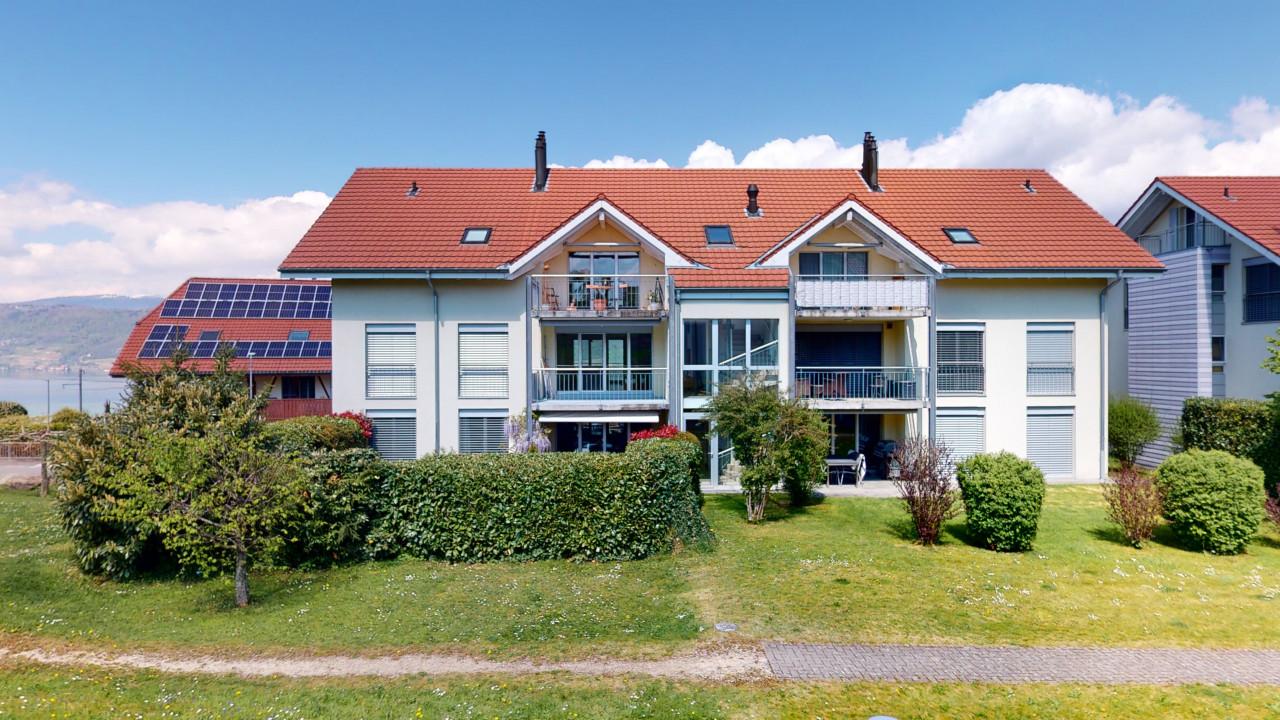 Hochwertige und gepflegte 4½ Zimmer Wohnung mit Seeblick