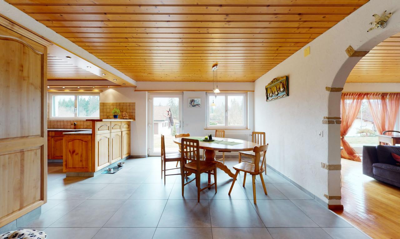Achetez-le Maison dans Jura Lajoux JU