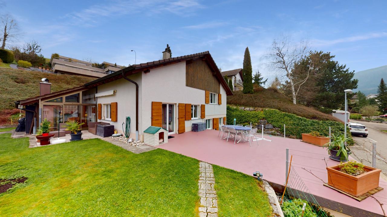 Magnifique maison avec beau jardin et grande terrasse