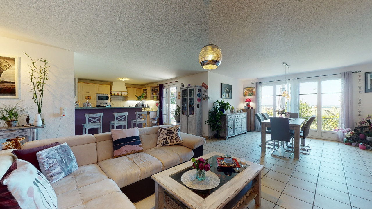 Ground floor apartment with above ground pool and wide view.