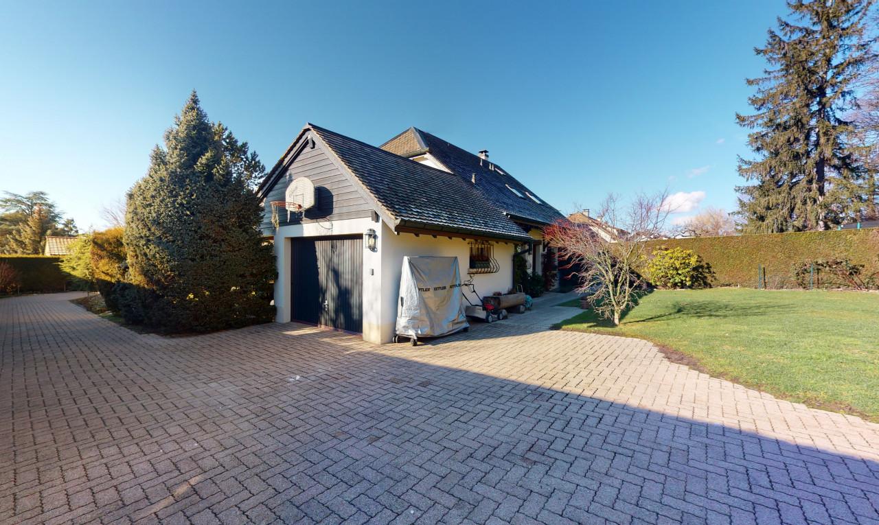 Buy it House in Geneva Vessy