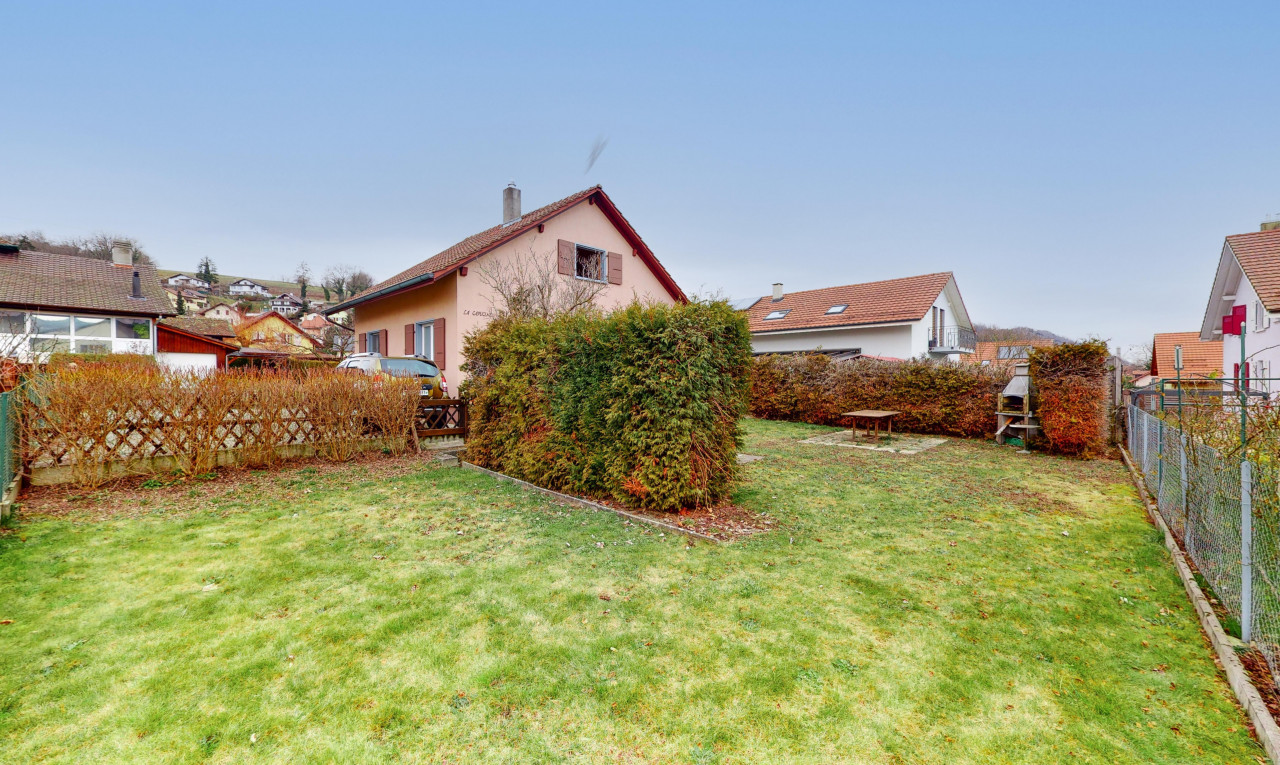 House  for sale in Vaud Lucens
