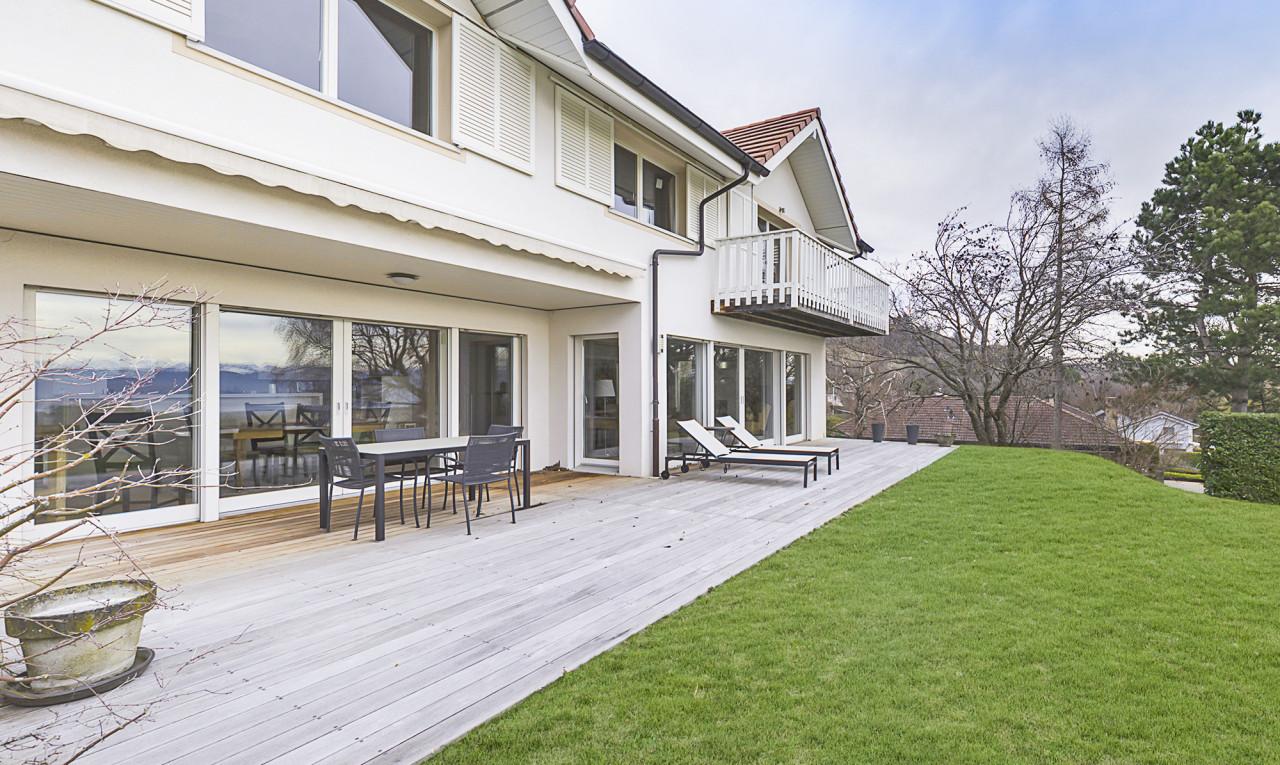 House  for sale in Vaud Genolier
